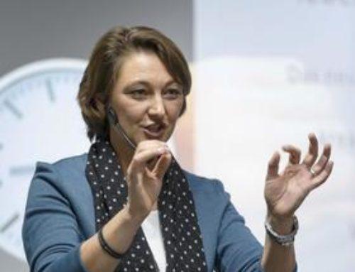"""Schwäbische Zeitung: """"Zeitmanagement-Expertin Cordula Nussbaum begeisterte die rund 200 Teilnehmer!"""""""